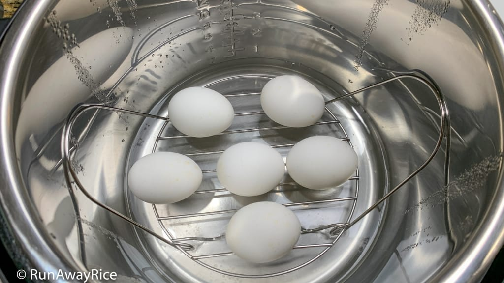 Instant Pot Hard Boiled Eggs - 5-5-5 Method | recipe from runawayrice.com