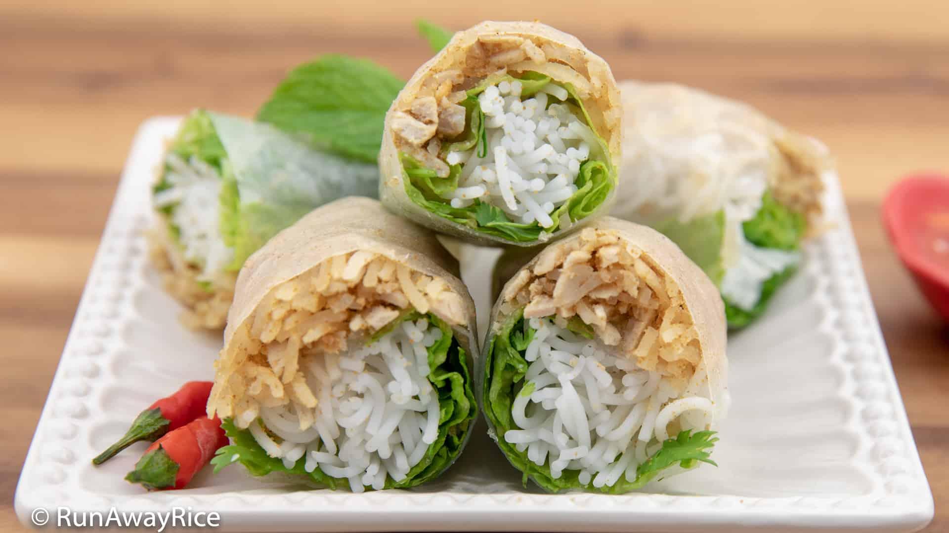Shredded Pork Skin Fresh Spring Rolls (Bi Cuon) - Refreshing Rice Paper Rolls! | recipe from runawayrice.com