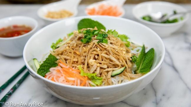 Shredded Pork Skin and Rice Vermicelli (Bun Bi) Bowl   recipe from runawayrice.com