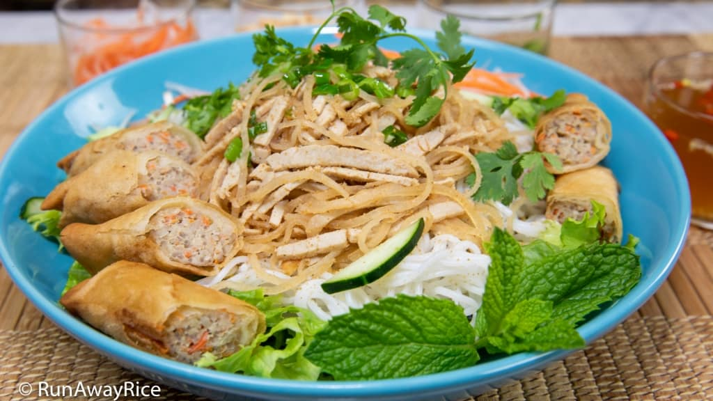 Shredded Pork Skin and Rice Vermicelli with Egg Rolls (Bun Bi Cha Gio) | recipe from runawayrice.com