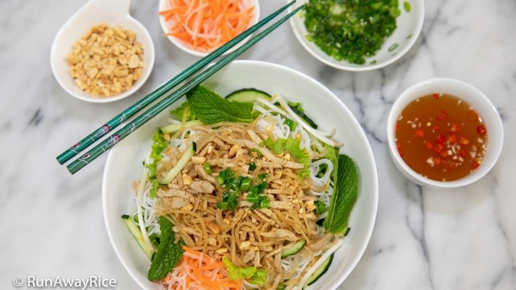 Shredded Pork Skin and Rice Vermicelli (Bun Bi) with Accompaniments | recipe from runawayrice.com